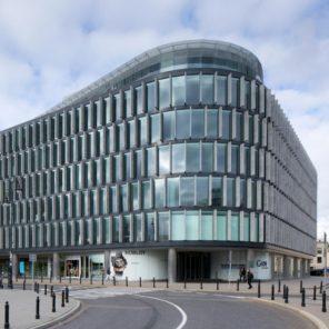 architektura użyteczności publicznej - obiekt komercyjny, I nagroda, Metropolitan