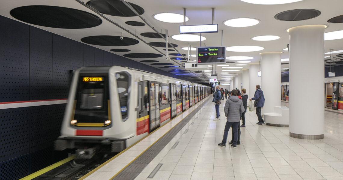 Trzy stacje metra na Woli: Księcia Janusza, Młynów, Płocka